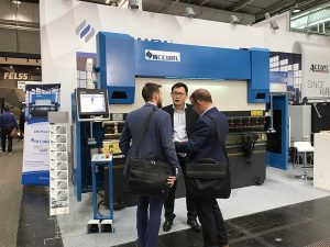 Акурл участва в изложението за изработка на металорежещи машини в Хановер през 2017 г.