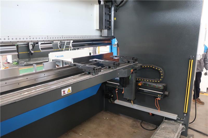 BGA-4 за X и R-Axis CNC Backgauge