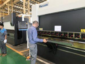 Иран клиент тестване машина в нашата фабрика 3