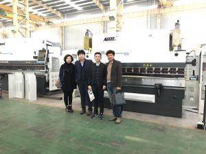 Корейските клиенти посещават нашата фабрика