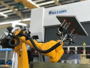 Роботична система за огъване за автоматична преса за робот от ламарина