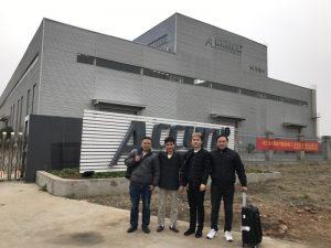 Клиентите на Русия посещават двойна машина за огъване в нашата фабрика