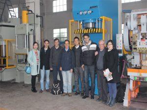 Делегацията на Перу дойде да посети нашата фабрика и да купи машини