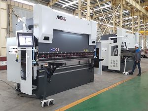 300tx 4000 Хидравлична преса с тристепенна цилиндър с цилиндър