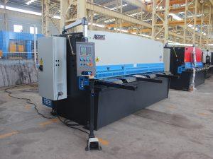 хидравлична машина за рязане на метални пластини